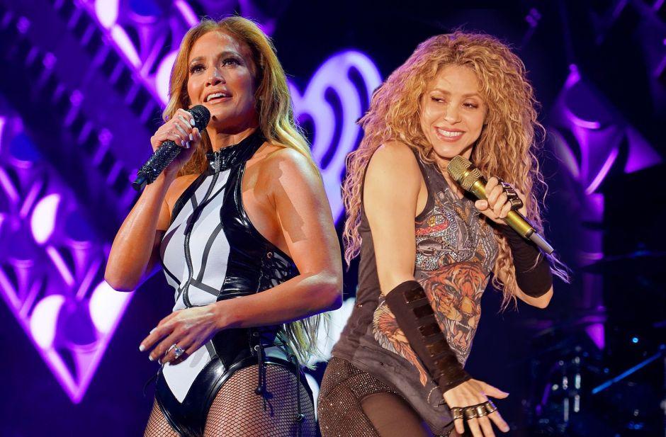 Jennifer López y Shakira entrenan sobre el césped, pero de lejitos ¿Problemas entre divas?