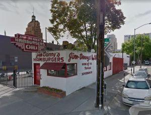 ¿Por qué están cerrando restaurantes locales en Sacramento y Santa Mónica?