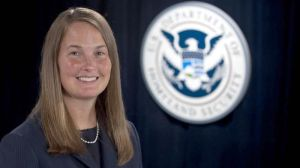 Una activista antiinmigrante sería la encargada de velar por los derechos de los detenidos por ICE
