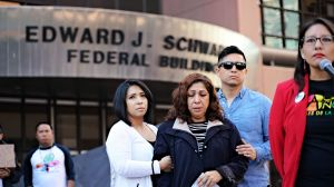 Madre de un teniente del Ejército es deportada a Tijuana