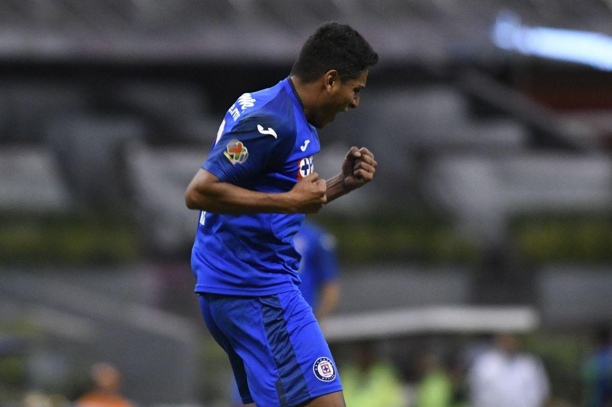 El defensa llegó a Cruz Azul para el Clausura 2020.