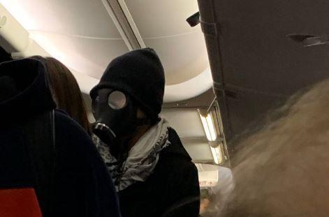El hombre con la máscara.