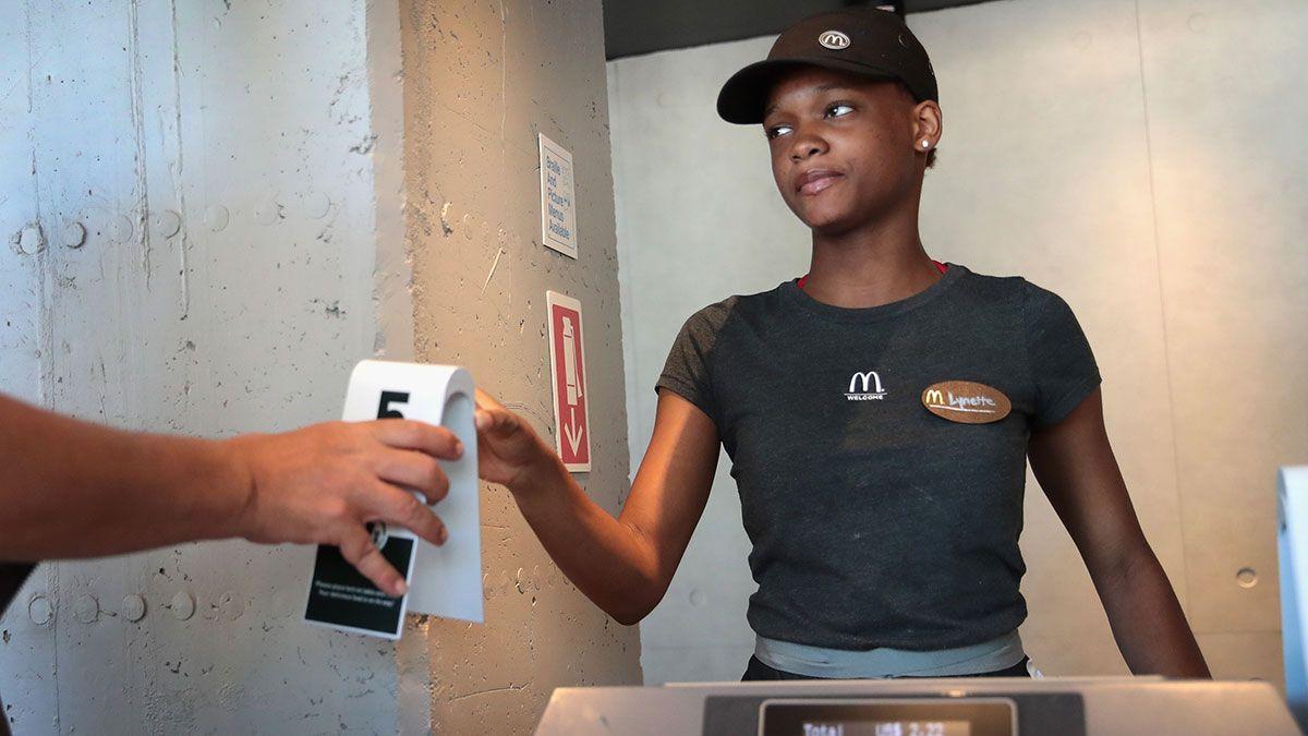 Ejecutivas afroamericanas de McDonald's demandan a la empresa por discriminación racial