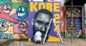 Artistas de Houston y San Antonio le rinden tributo a Kobe Bryant con sus murales