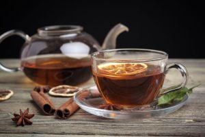 Depura y desinflama el organismo con delicioso té de jengibre, canela y limón