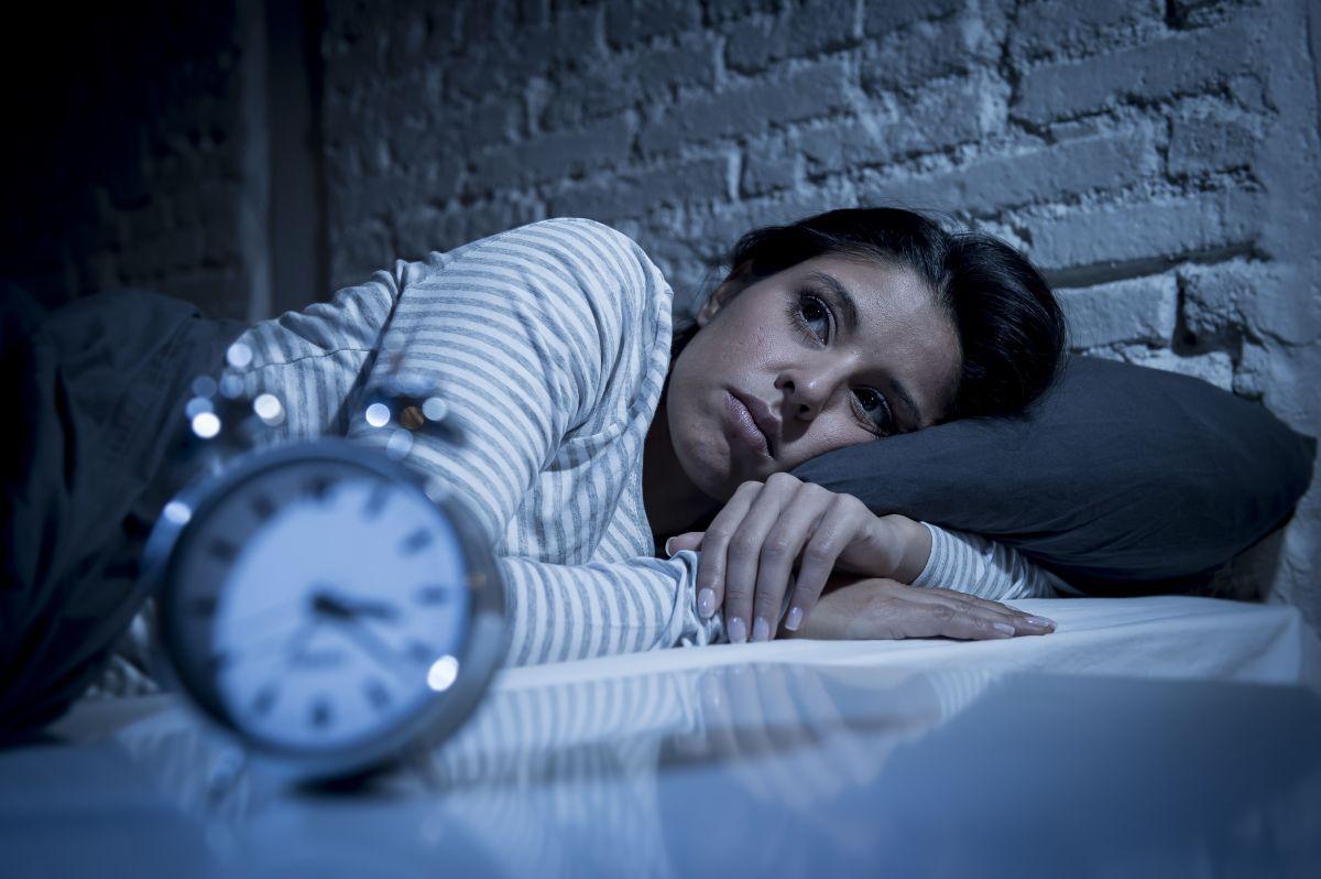 ¿Quieres dormirte más rápido por las noches? Aplica esta técnica de respiración japonesa