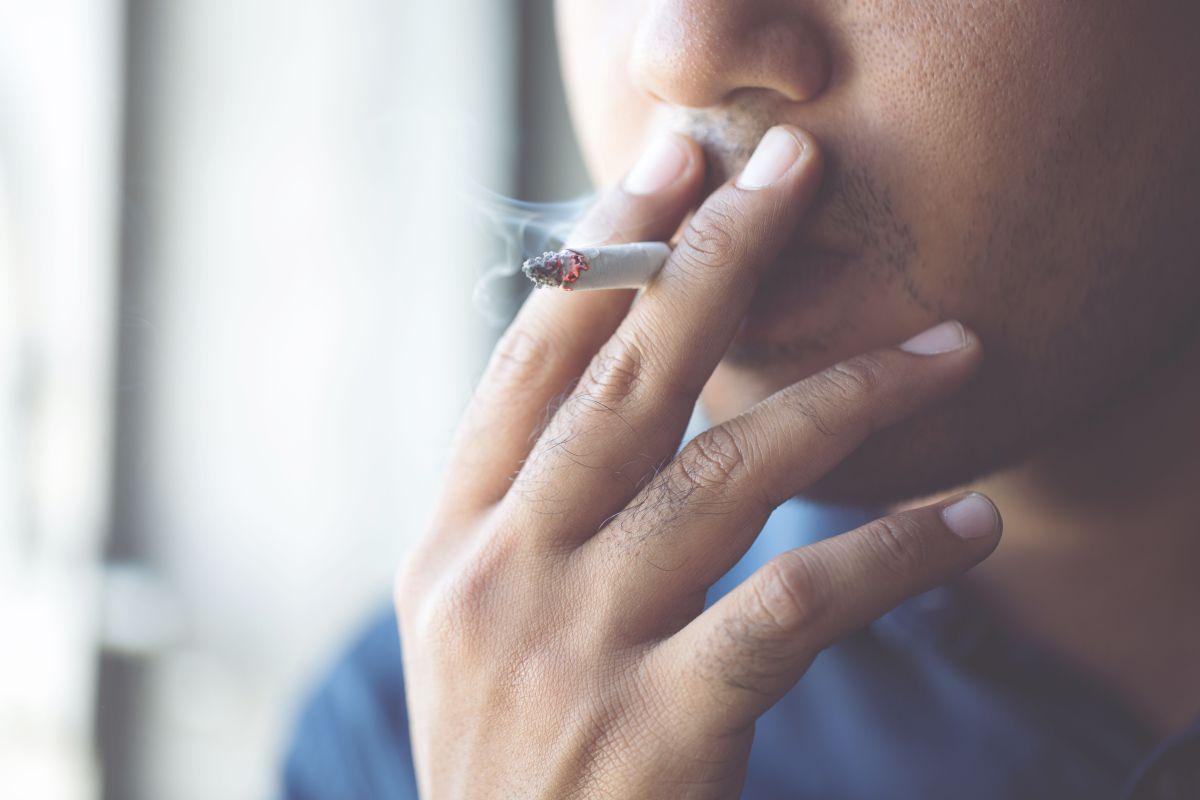 ¿Fumar realmente reduce el apetito?