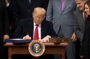 Trump firma acuerdo comercial con México y Canadá o T-MEC