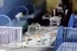 Texas: Video capta el momento que una bebé se cae de la cuna en una guardería y se fractura el brazo