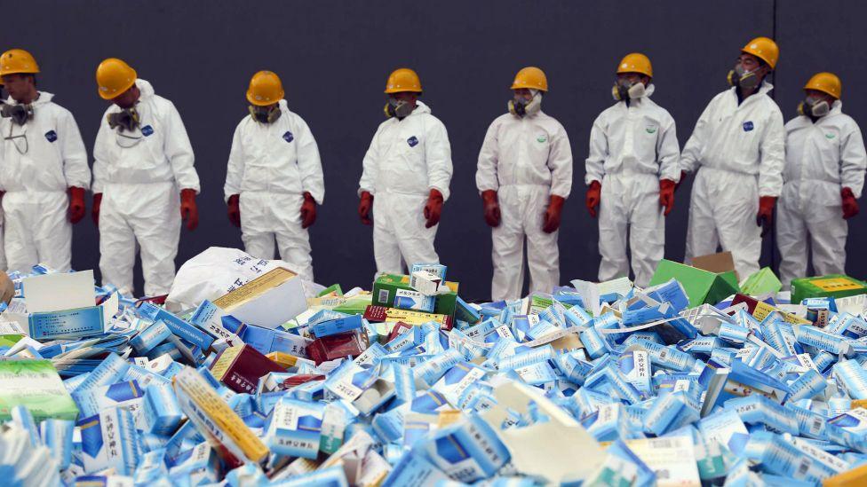 Cómo operan los carteles de México y China para vender fentanilo en Estados Unidos