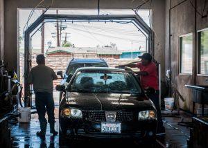 Así puedes deshacerte del olor a humedad del aire acondicionado del auto