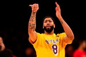 ¡El otro homenaje de tinta a Kobe Bryant! Anthony Davis también se tatuó una mamba negra