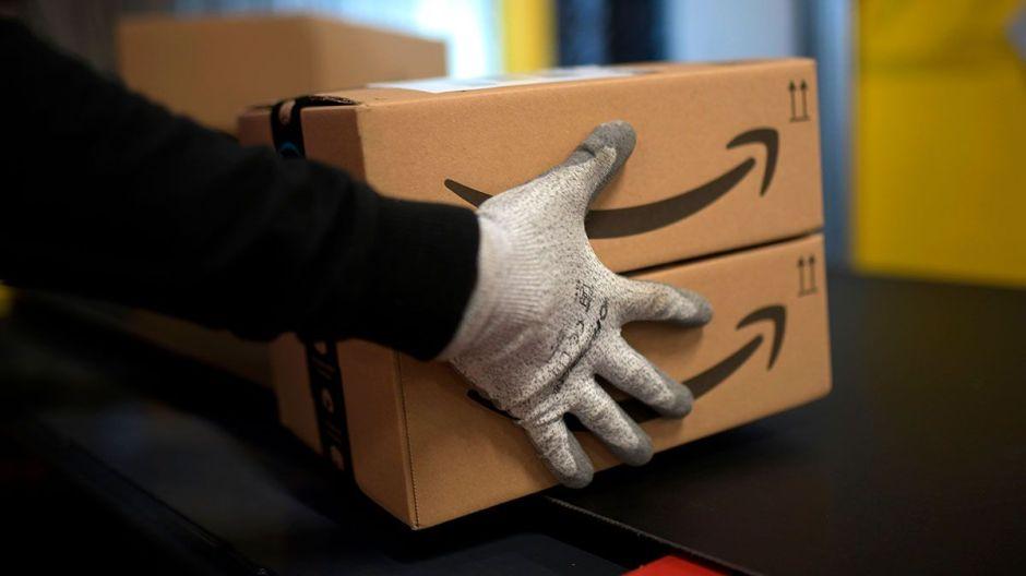 VIDEO: Repartidor de Amazon deja atrapada a una mujer en su propia casa al dejarle un paquete obstruyendo la puerta