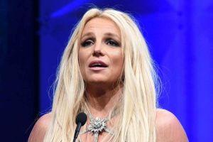 Britney Spears se rompe un pie bailando y su novio le deja este poderoso mensaje en el yeso