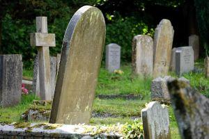 Los rituales más malvados de brujería que se hacen en cementerios