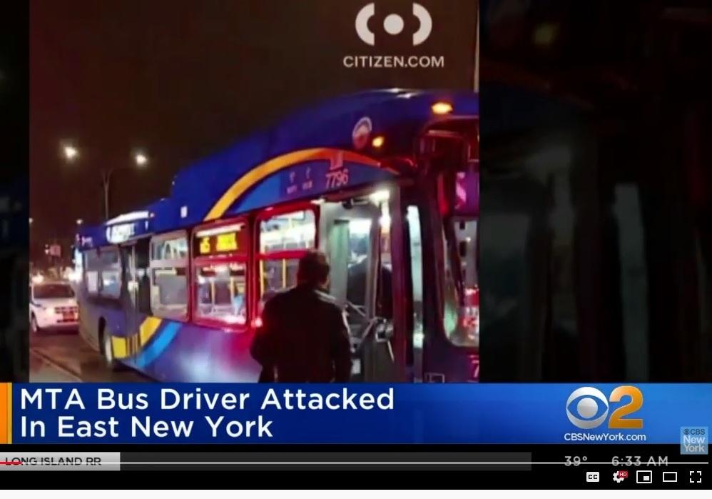 Pasajero furioso por perder el bus golpeó a conductor anciano de MTA