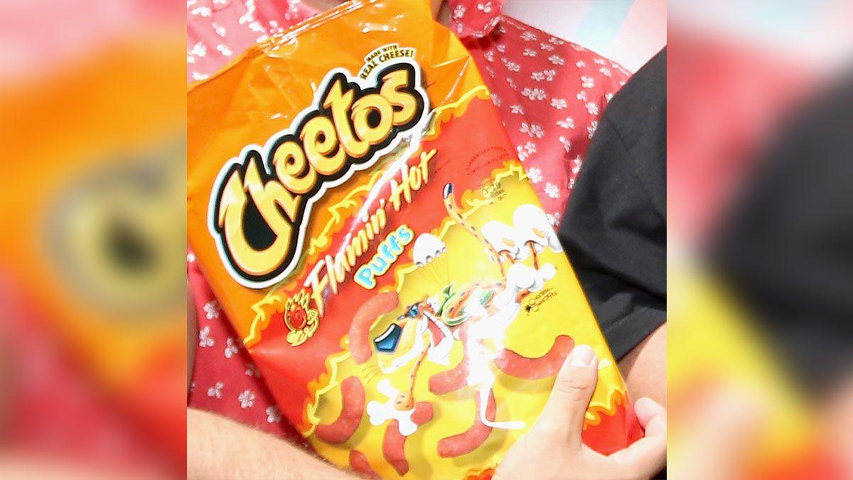 Una niña de seis años encontró una bala en su bolsa de Cheetos