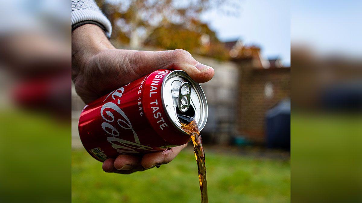 Coca-Cola habría pagado millones a científicos para mentir sobre efectos de azúcar en las sodas y obesidad