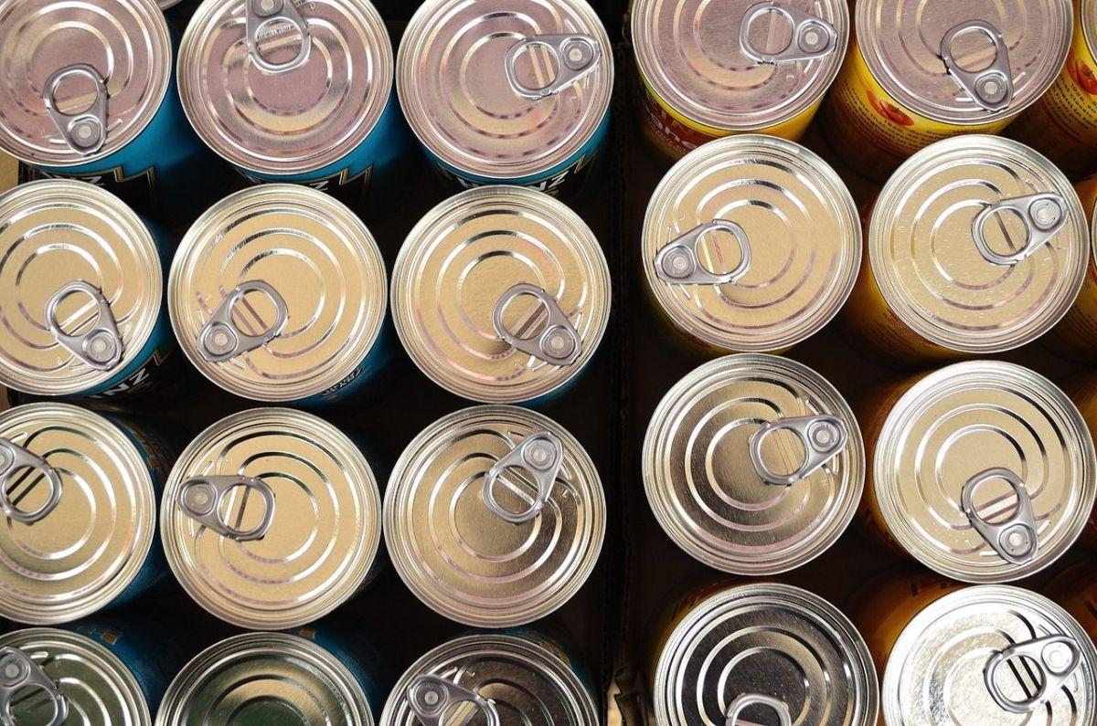 ¿Por qué no refrigerar alimentos en latas abiertas?