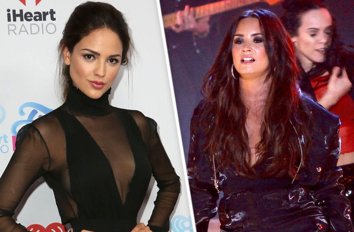 Video: Eiza González y Demi Lovato encienden polémica metiendo dinero en tanguita de strippers