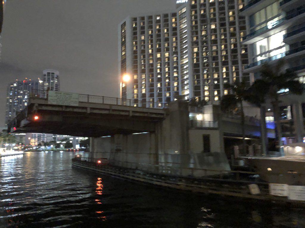 Pronostican caos en Miami tras el cierre del puente levadizo que conecta el centro con la zona financiera