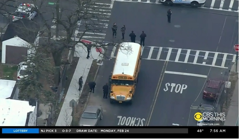 El conductor permaneció en la escena