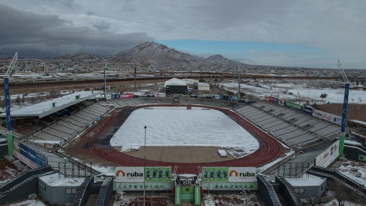 ¡Hermoso! El estadio de los Bravos de Juárez se cubre de nieve