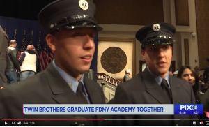 Gemelos hispanos marcan hito al graduarse juntos de paramédicos en Nueva York