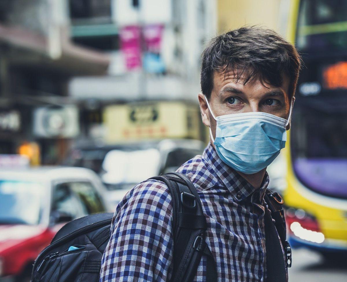 VIDEO: La forma correcta de usar una mascarilla para que te proteja contra el coronavirus