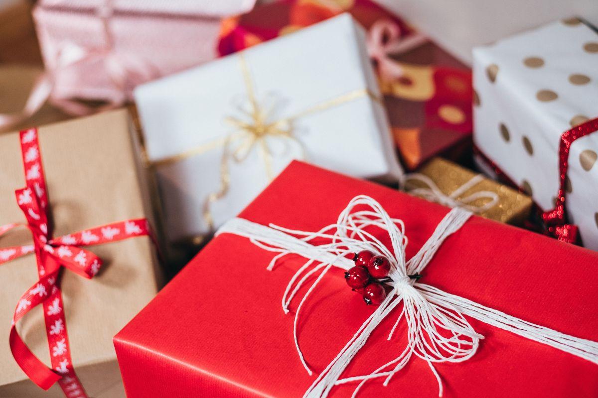 Empresa te da $1,000 dólares para que hagas tus compras navideñas en negocios pequeños