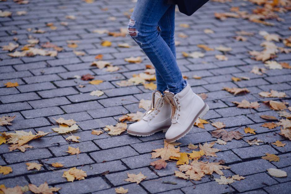 Zapatos de mujer por menos de $25 solo HOY por el Cyber Monday