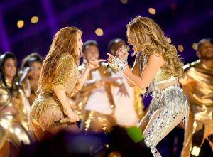 La Víbora: Mi venenosa opinión sobre el show de JLo y Shakira