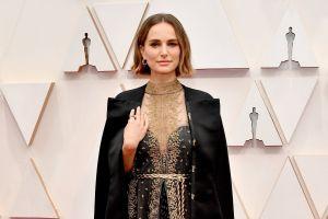 Natalie Portman hace original (y elegante) reivindicación a su llegada a los Premios Óscar 2020