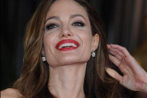 Angelina Jolie vende un cuadro de Winston Churchill por una millonaria cantidad