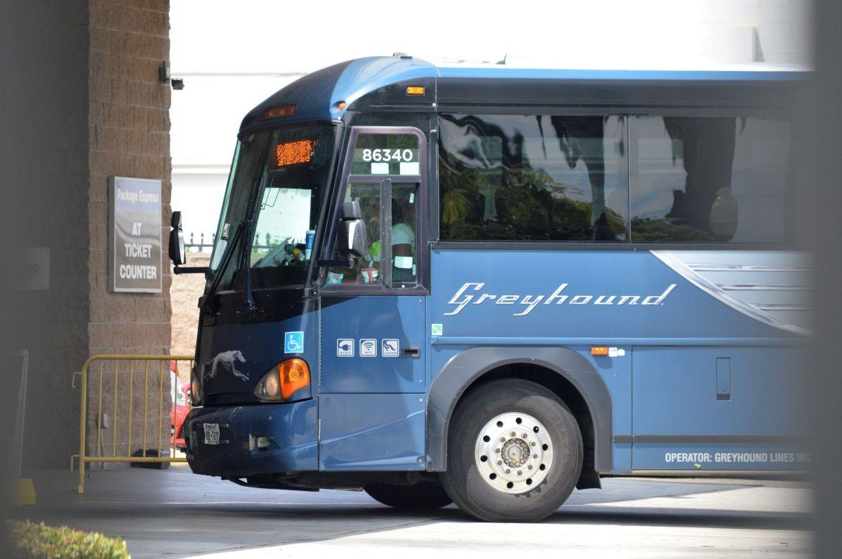 Hombre viaja 5 horas en autobús con restos humanos en su equipaje