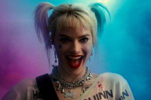 Margot Robbie tenía que quitarse el maquillaje de Harley Quinn usando mangueras