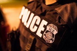 Agentes de ICE arrestan a tres inmigrantes en un tribunal de California