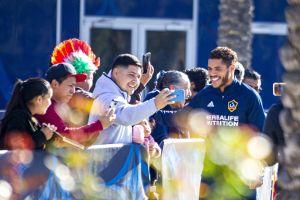 LA Galaxy recupera a Jonathan dos Santos, pero otro mexicano es baja para el debut en la temporada de la MLS