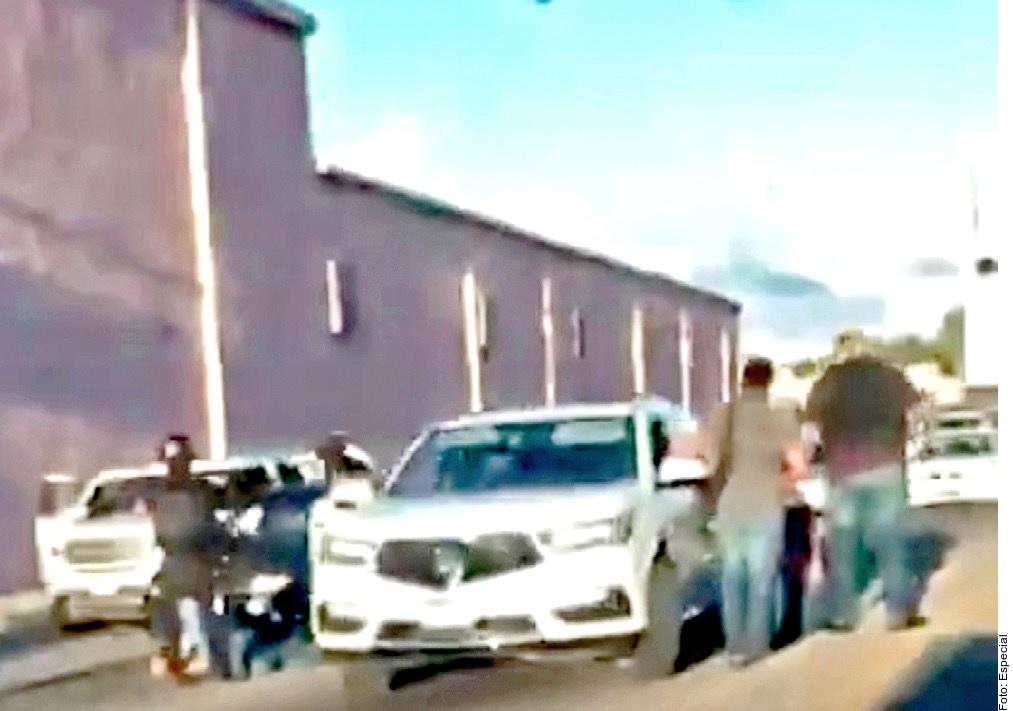 El narco causa terror en Culiacán con retenes en carreteras para tirar a ejecutados