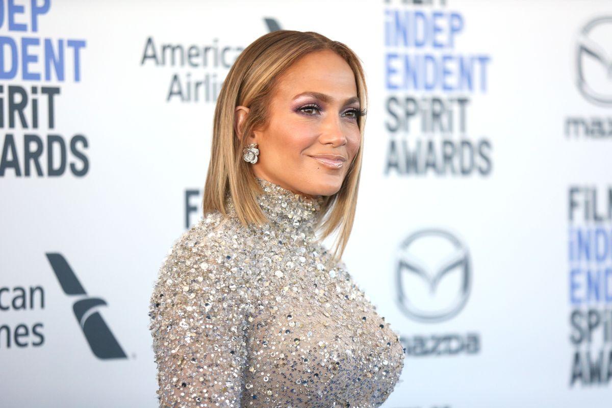 Jennifer López lista para planificar su boda