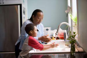 Cómo desinfectar tu casa para evitar enfermedades en tus hijos y como una ayuda extra contra el coronavirus