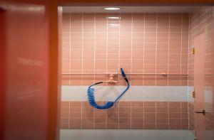 Los 5 mejores diseños de luces empotradas para baño de Home Depot por menos de $40