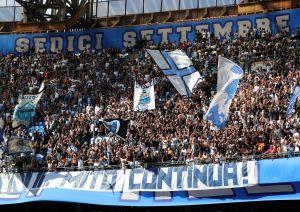 El Napoli, buscando resurgir y con la afición más brutal del mundo, espera al Barcelona en San Paolo