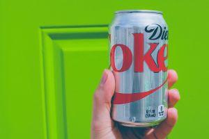 6 formas en que el refresco de dieta daña tu cuerpo