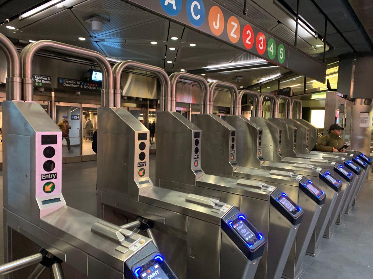 Expanden sistema de pago OMNY a 37 estaciones del Subway en El Bronx