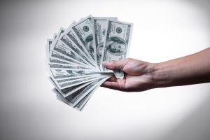Tres cheques del plan de estímulo de Biden que no son el de $1,400 y a los que podrías ser elegible