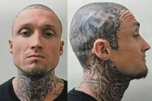 Supremacista blanco es asesinado por su propia pandilla por destruir un aire acondicionado