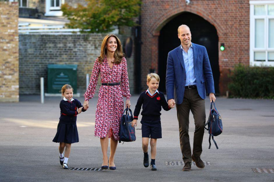 El coronavirus habría llegado a escuela del príncipe George y la princesa Charlotte