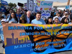 Sanders figura como el consentido de los hispanos en Nevada