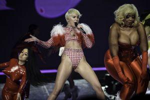 Organizadores del Super Bowl en alerta por lo que usará Miley Cyrus en el show previo